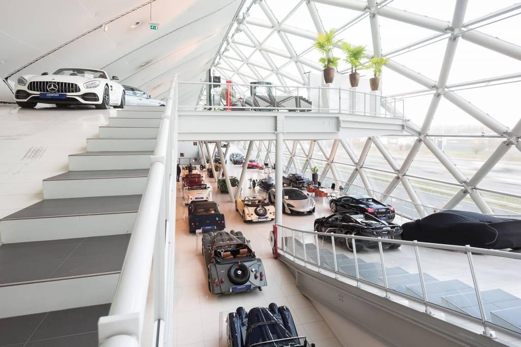 Louwman Exclusive Cars: één opdrachtgever, twee inrichtingsvraagstukken