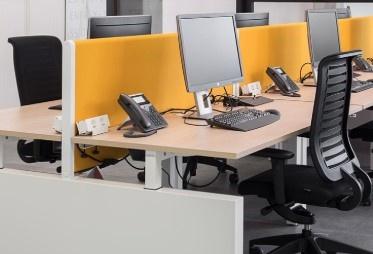 een ergonomische werkplek ingericht