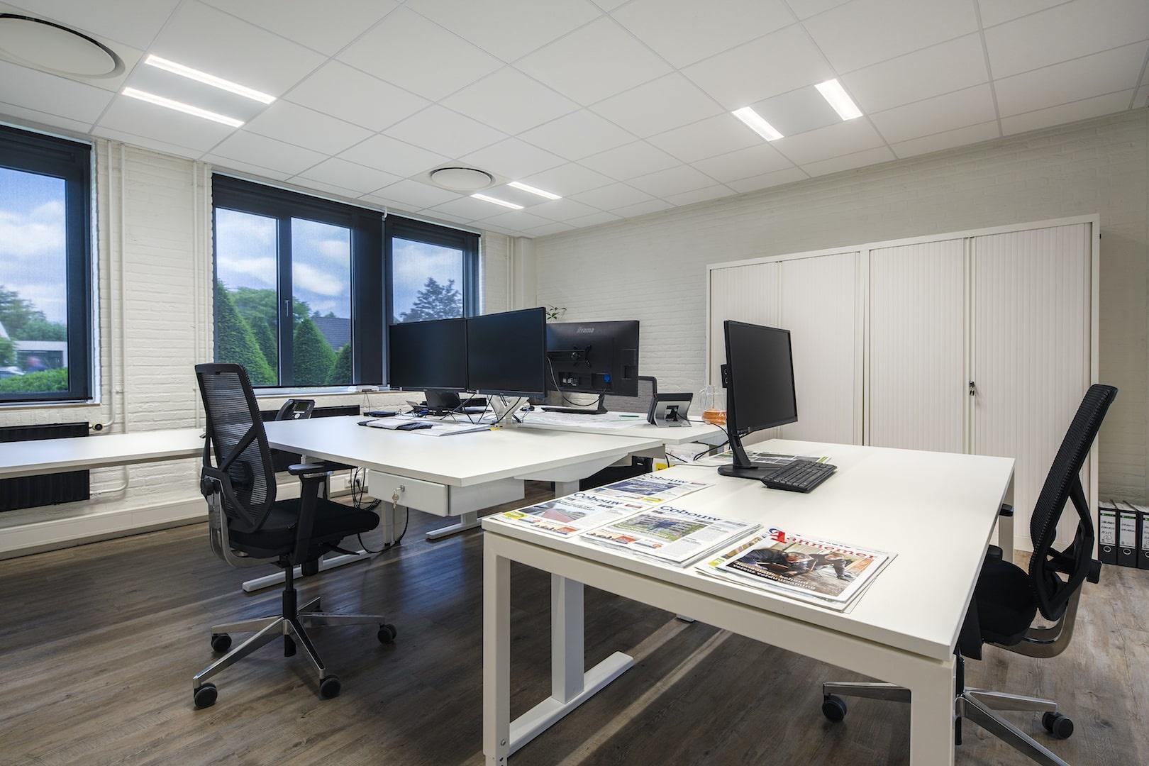 De juiste stahouding achter jouw zit-sta bureau