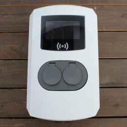 Alfen Eve Double Pro-line - 3 x 32A - 2 Sockets - RFID - E-Flux - 1 Voedingskabel - Load Balancing