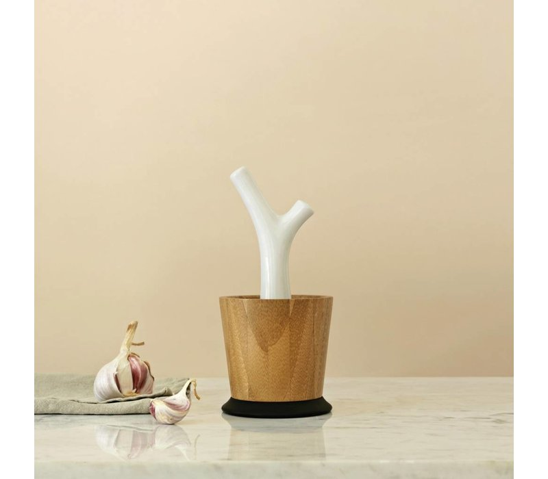 Pesta mortar and pestle