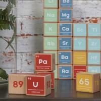 Periodiek systeem houten blokken (set van 121)