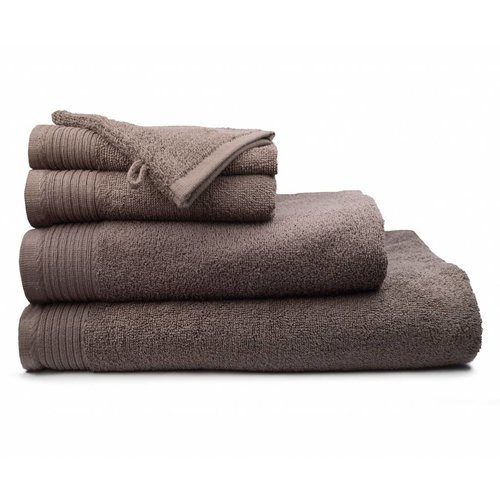 The One Towelling  Handdoek - Deluxe - Taupe