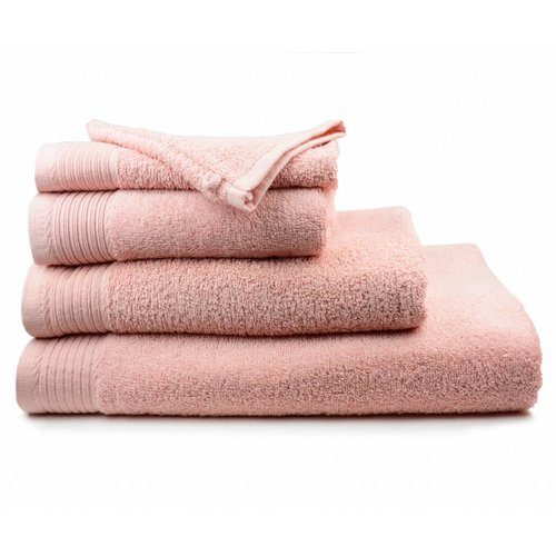 The One Towelling  Handdoek - Zalm roze - 60x110 cm
