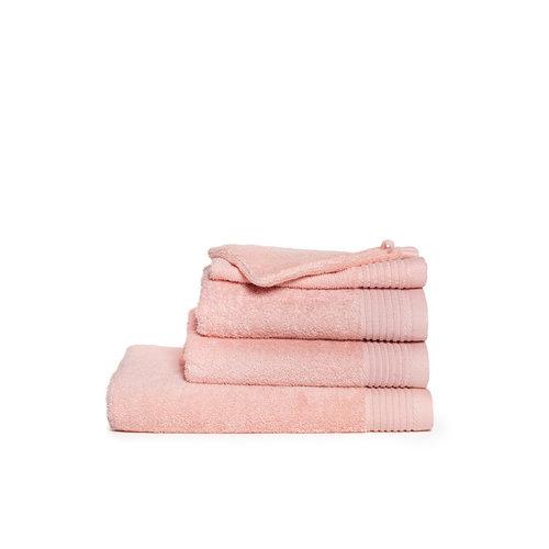 The One Towelling  Handdoek - Zalm Roze - 50x100 cm