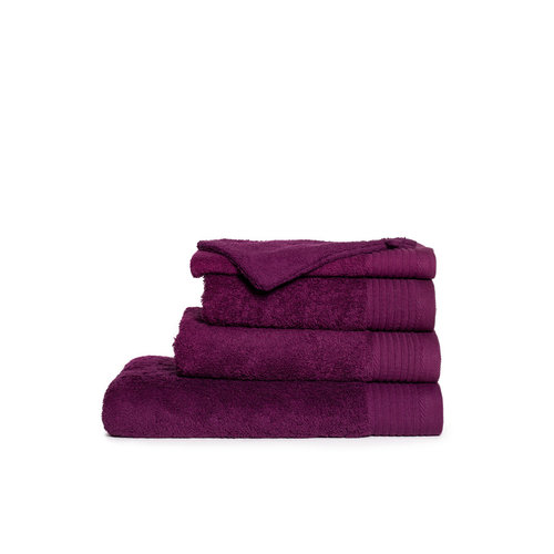 The One Towelling  Handdoek - Aubergine - 50x100 cm
