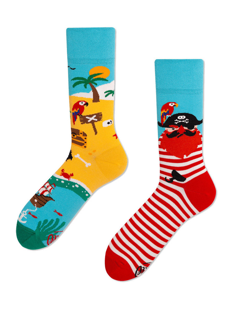 Many Mornings Pirate Island socks 39-40