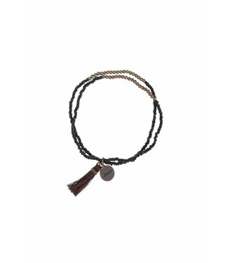 Zusss 04DK18nBzw dubbele kralenarmband met kwastje Zwart 18cm