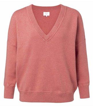 Yaya 100074-912 Boxy V-neck sweater with droppes shoulders