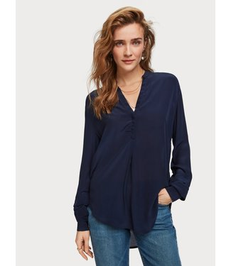 Amsterdams Blauw 153764 Feminine top with special sleeve detail