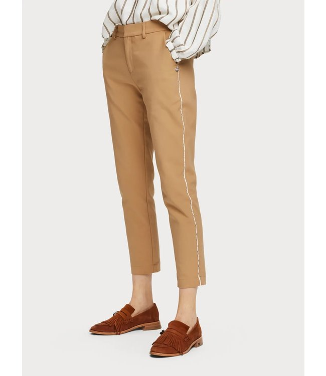 Maison Scotch 156367 Tailored stretch pants with piping details.