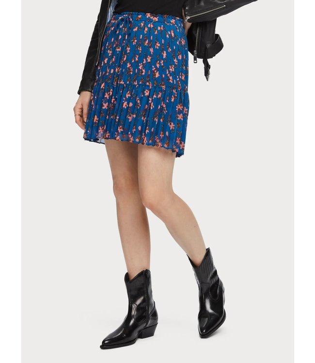 Maison Scotch 156003 Printed skirt with pleats.