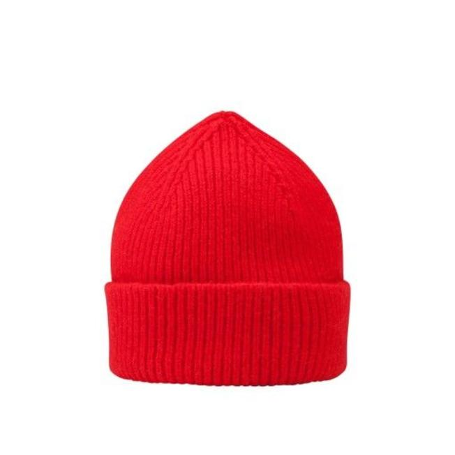 Beanie Crimson