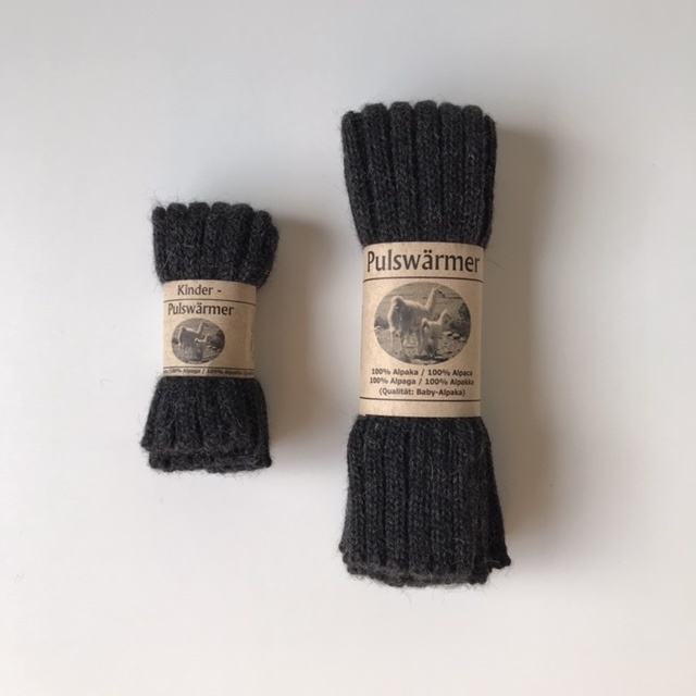 Baby Alpaca by De Colores woolen wristwarmers/ legwarmers set of 2 - knitted in 100% baby alpaca - rib - antracite - one size