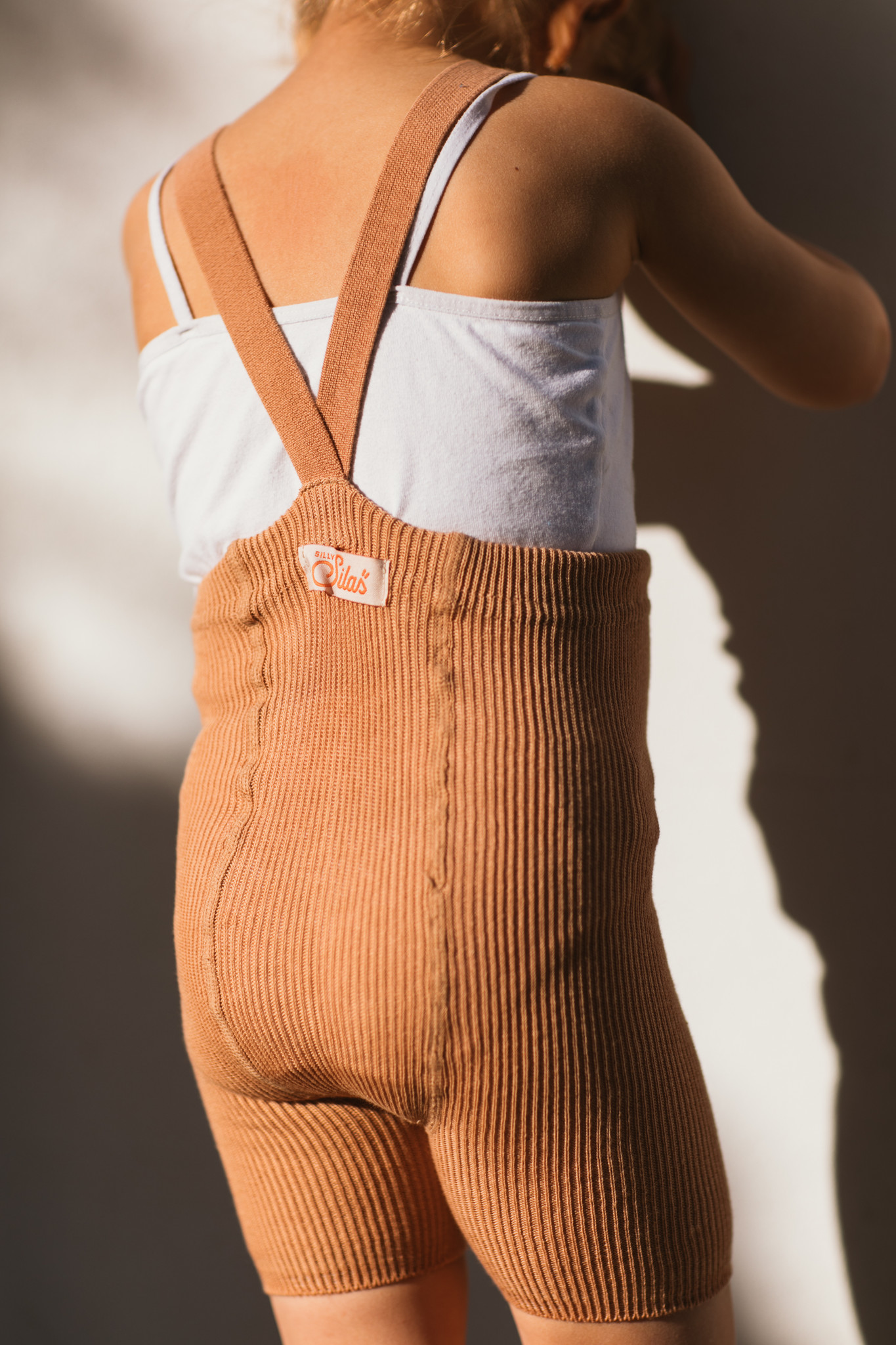 Silly Silas - korte maillot/ shorts met bretels - 100% katoen - salmon brown -  0 tm 3 jaar