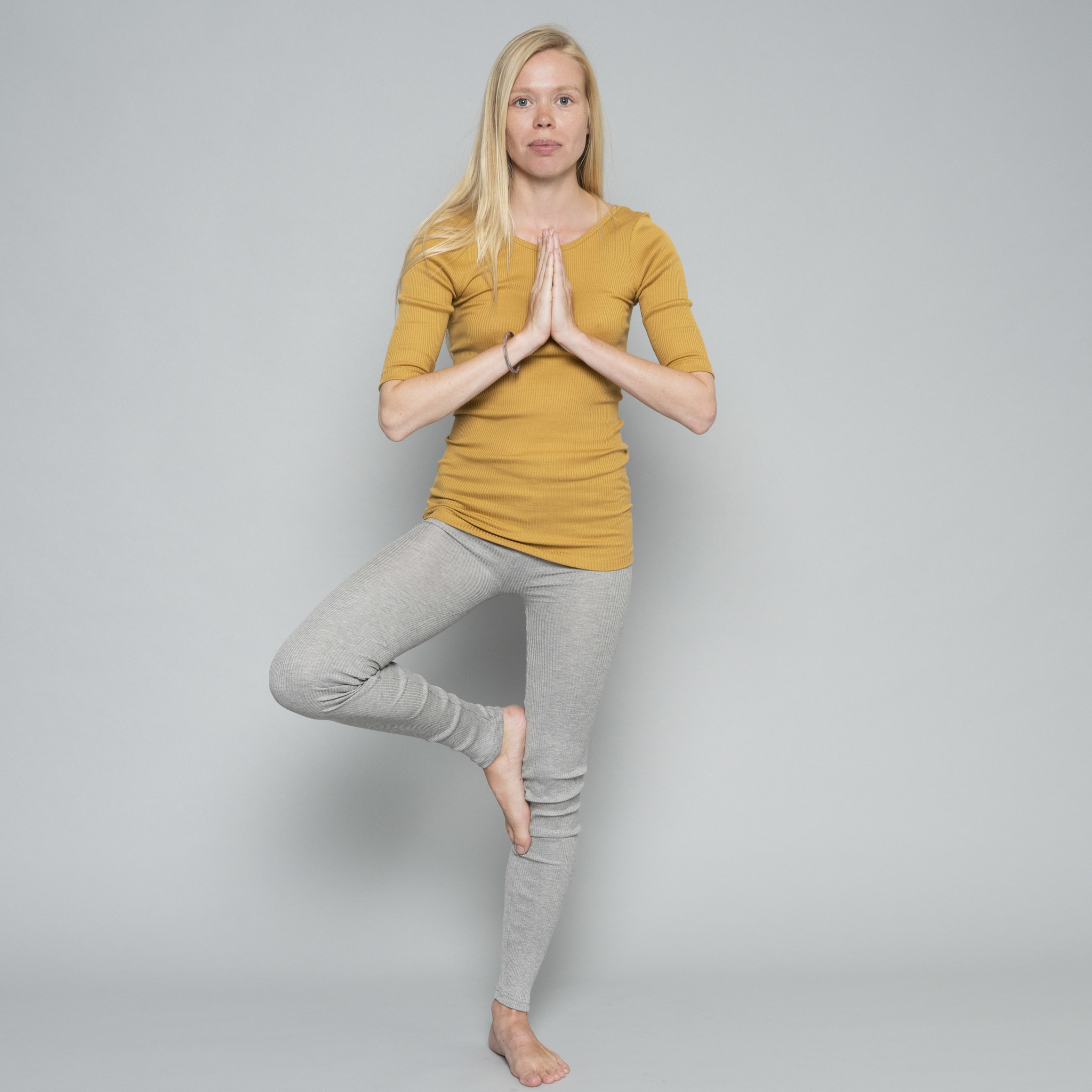 Minimalisma women's shirt GYM 3/4 sleeves and low back - fine rib - 70% silk - golden leaf - S/M and M/L