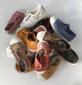 Alles wat je moet weten over de eco kinder sneakers en vegan dames schoenen van Natural World incl. een handige maattabel!
