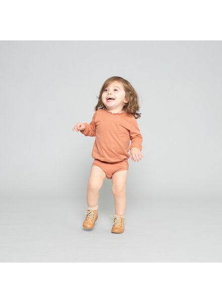 Minimalisma baby romper INGVA - 100% biologisch katoen - tan roze
