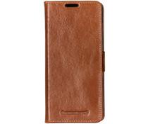 dbramante1928 Copenhagen Book Case Braun für das Samsung Galaxy S10