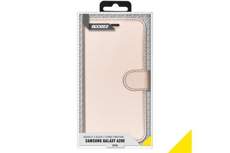 Samsung Galaxy A20e hülle - Accezz TPU Booklet Gold