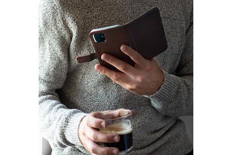 Selencia Echtleder Booktype Hülle Braun für iPhone 8 Plus / 7 Plus