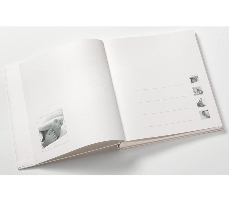 """Album del bambino """"Little Foot"""""""