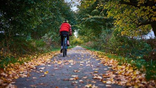 Onmisbare fietsaccessoires voor de herfst