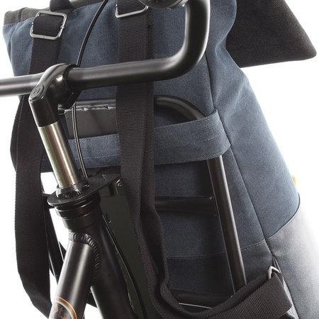 Cortina Denim Backpack Memphis Blue L 13L Blauw - voor op de voordrager