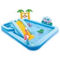 Swimming pool 'jungle adventure' play center