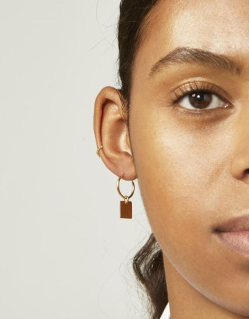 Fashionology Rectangle tag hoop gold