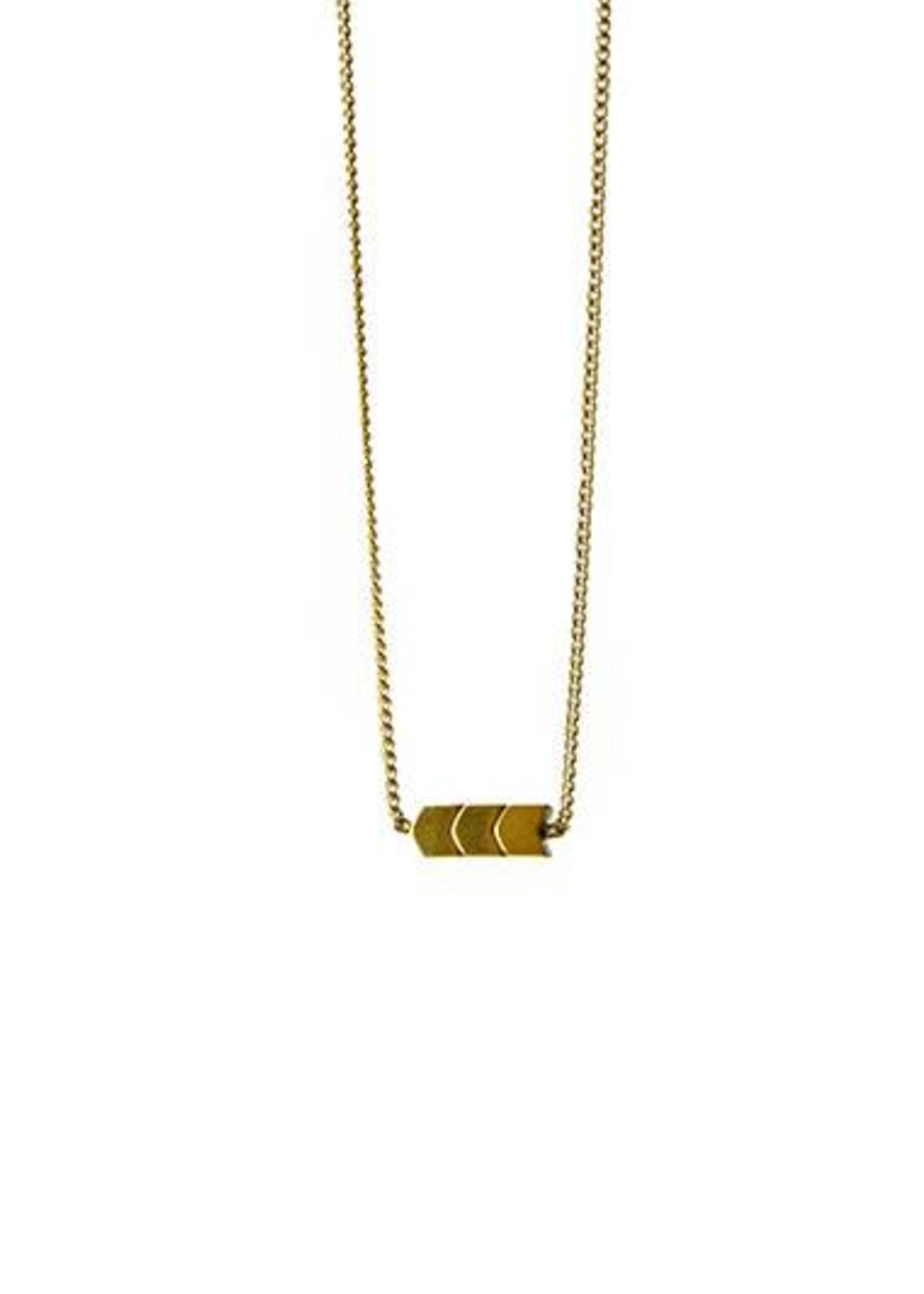 Essyello Arrow Necklace