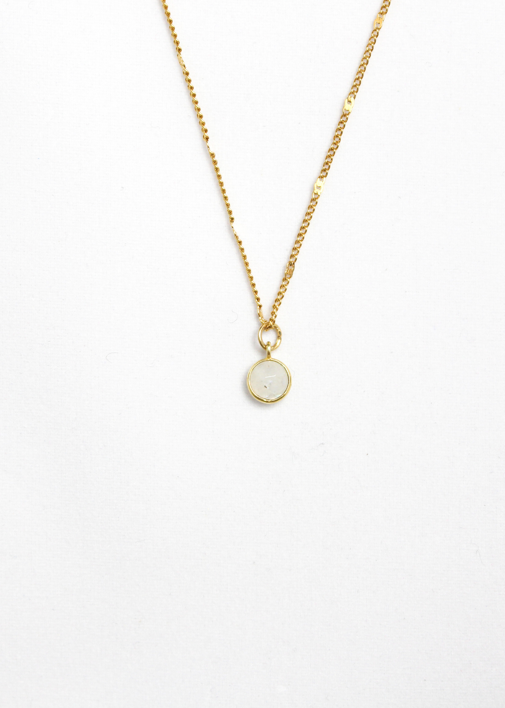 Essyello Dot Necklace (div. kleuren)