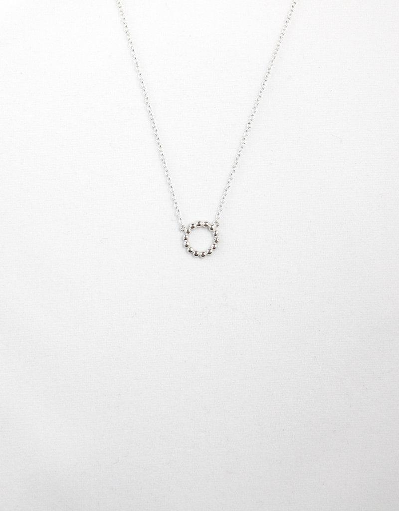 Essyello Circle Necklace Silver