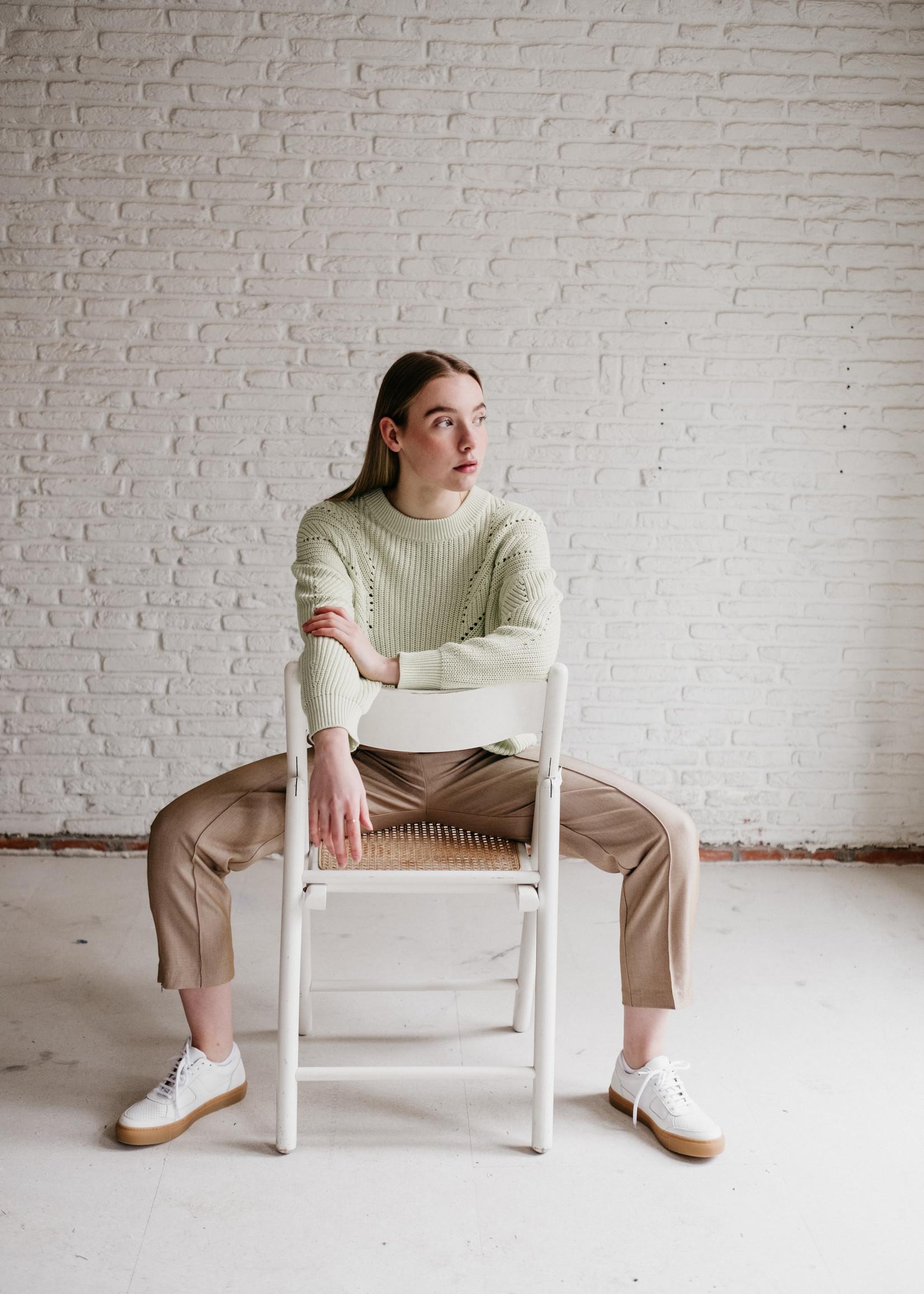 Second Female Denes knit o-neck L