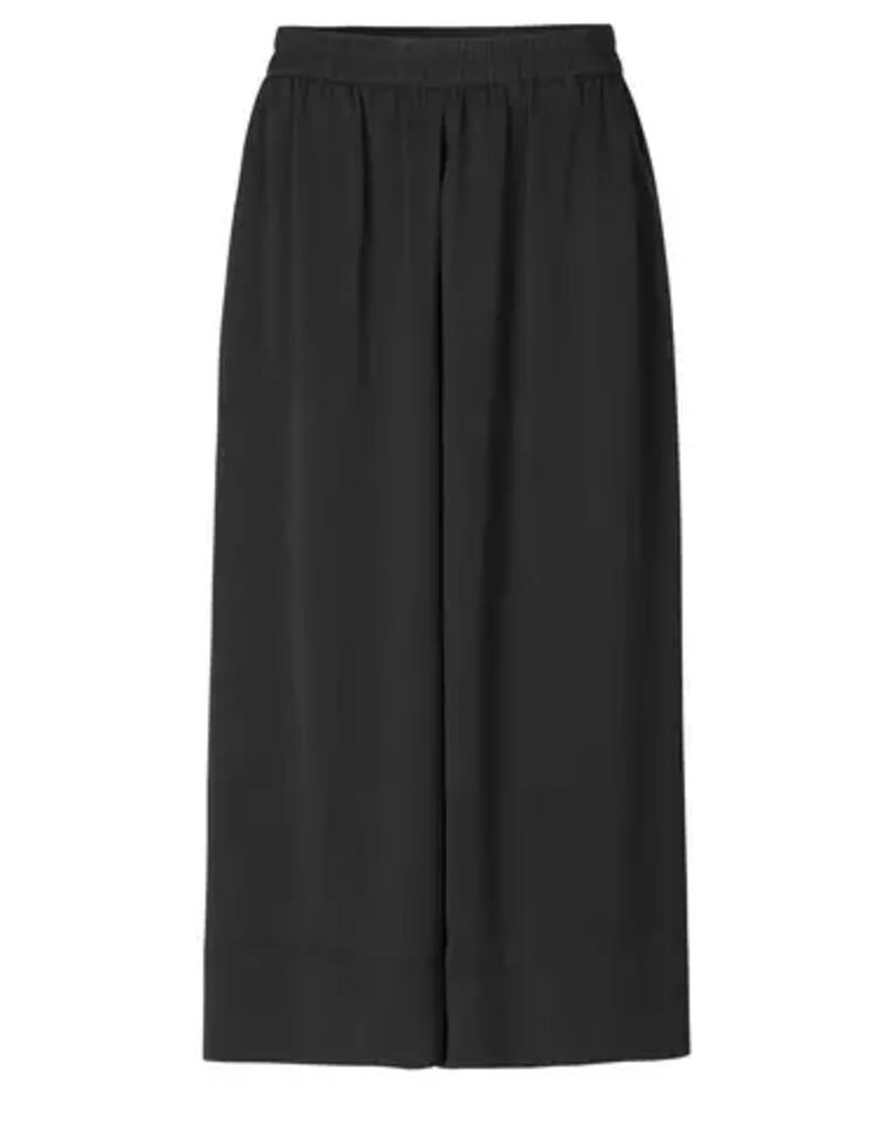 Second Female Second Female Minga new trousers