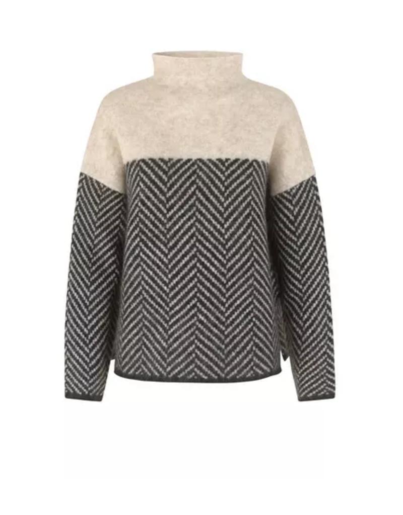 Second Female Herrin knit t-neck
