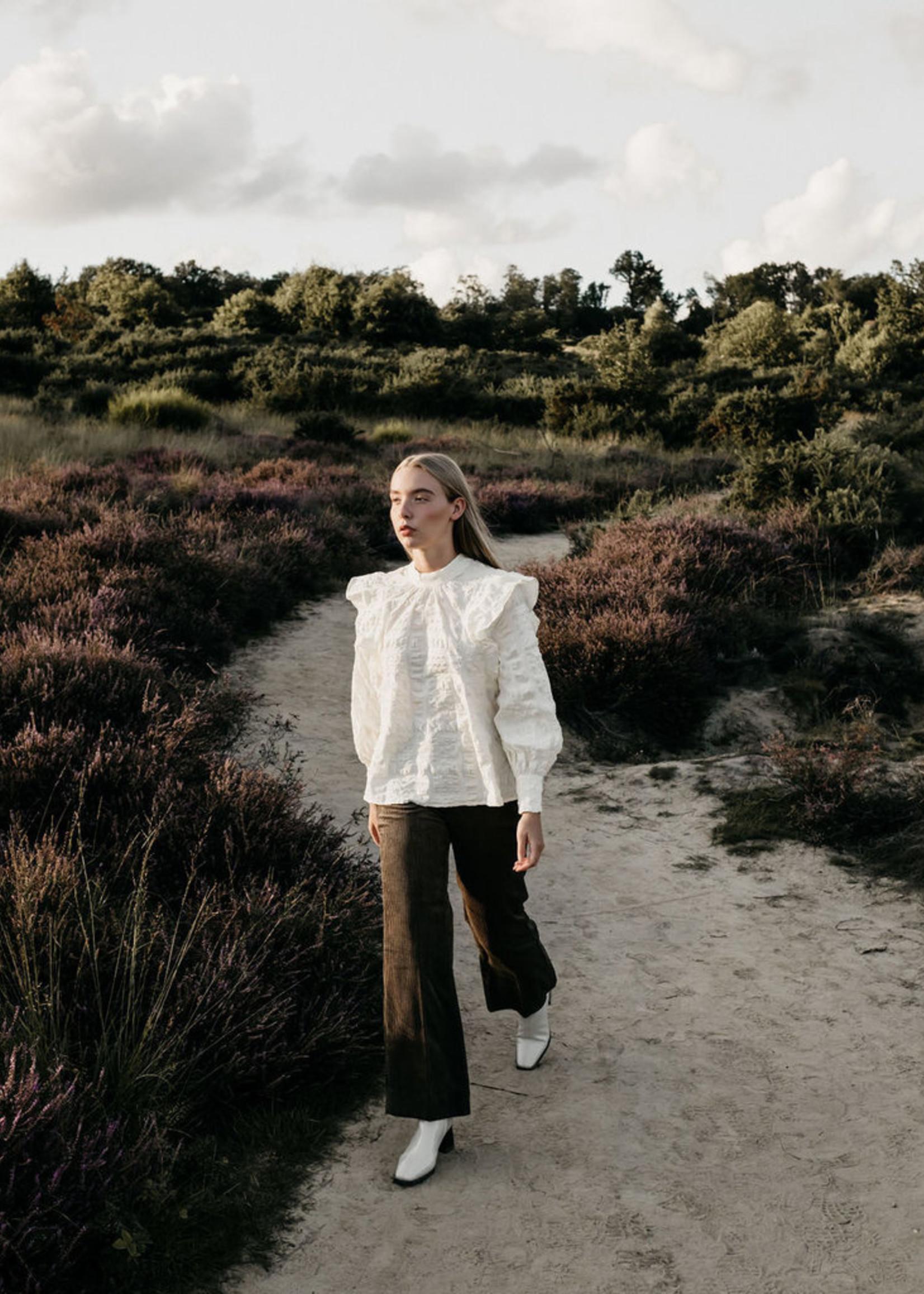 Second Female Kale blouse  L