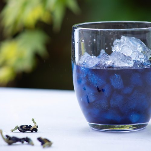 Blue Butterfly Pea Tea ( Blauwe Thee)