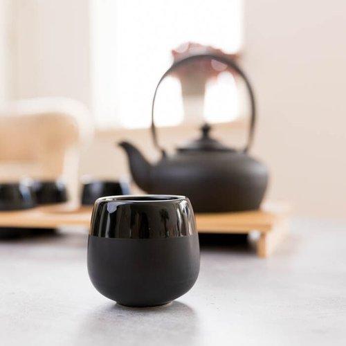 Gietijzeren theeset in luxe bamboekist