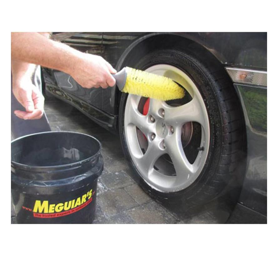 Meguiars Ultra-Safe Wheel Spoke Brush 12.07x41.12x8.90cm