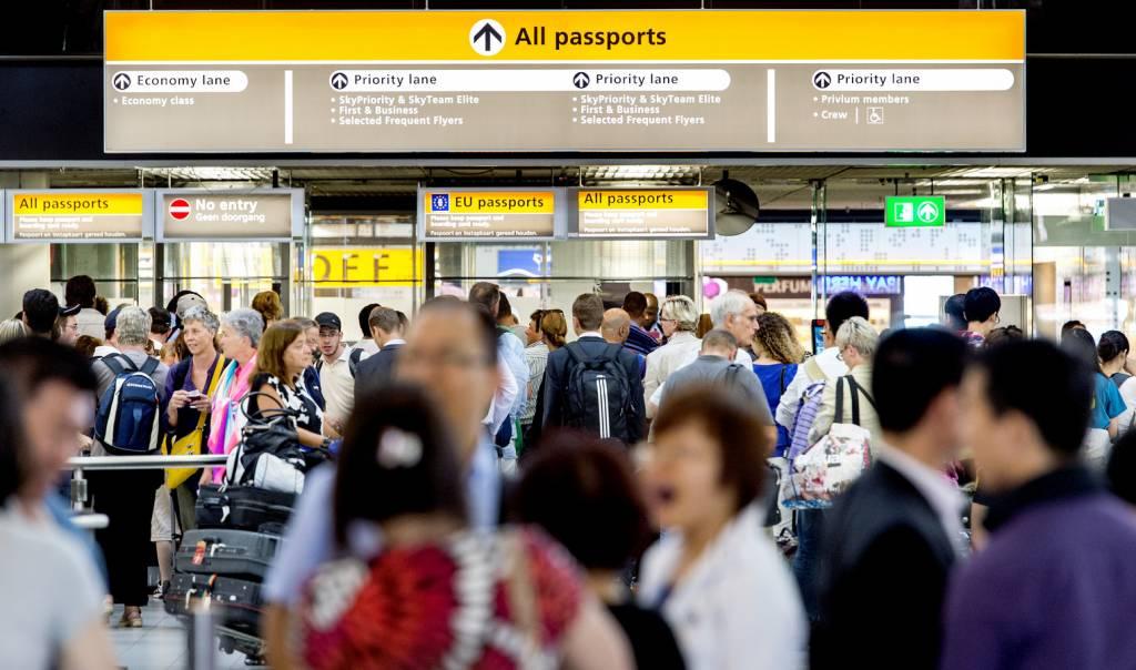 Mag een scheermes in de handbagage van een vliegtuig?