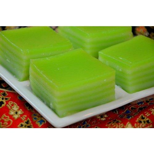 Pandan Layer Cake 100g