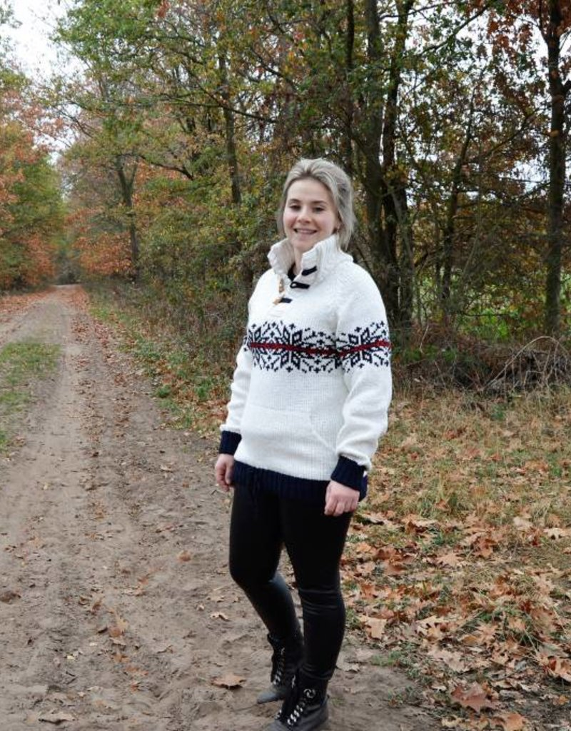 """Almada"" witte trui met ingebreid Noors motief"