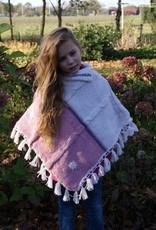 """""""Abela"""" gebreide wollen kinderponcho in beige / roze"""