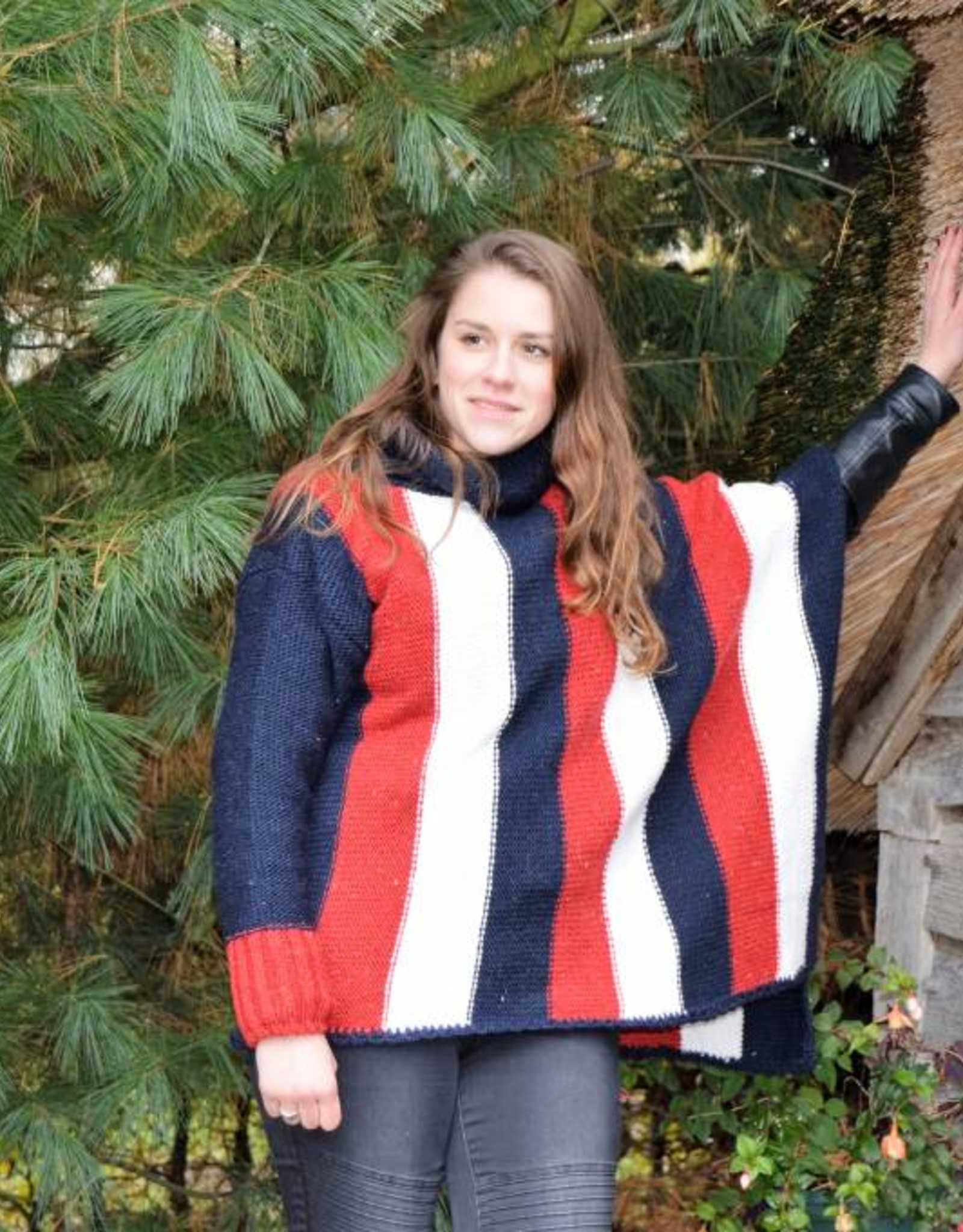 """Coina"" poncho trui in rood wit en blauw"