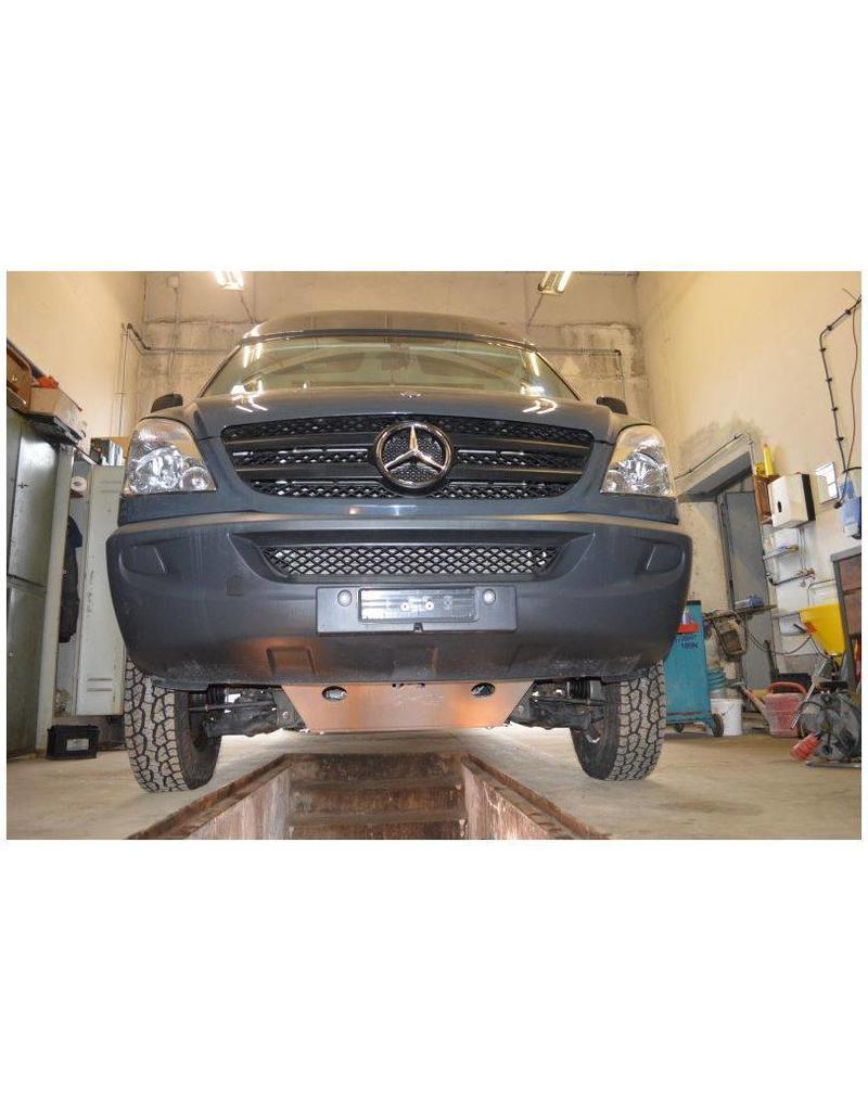 Einbau: Mercedes Sprinter Unterfahrschutz Motor Alu