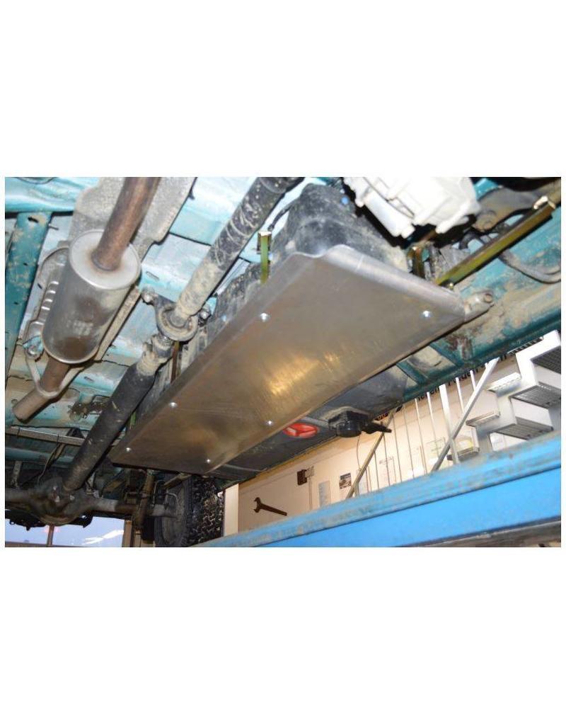 Einbau: Mercedes Sprinter 906 4x4 Unterfahrschutz Tank