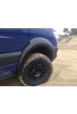 Kit protections/élargisseurs d'aile / kit d'extension de passage de roue pour Mercedes Sprinter 906 spécialement conçu pour une utilisation en combinaison avec de gros pneus.