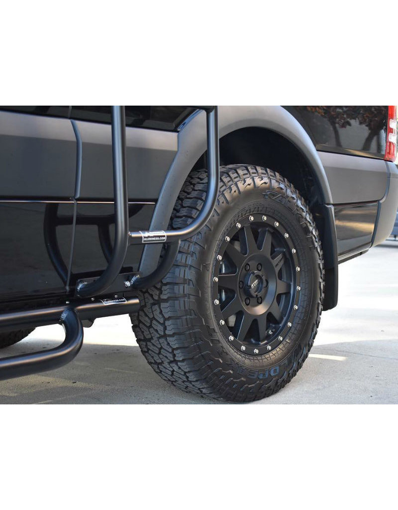 Aluminess Mercedes Sprinter 906/907 Nerfbars, side rails with optional tread plates