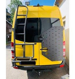 VW Crafter II  & MAN TGE -  OVE Backpacker - Universalhaltemodul für die Hecktür rechts (180° Tür)